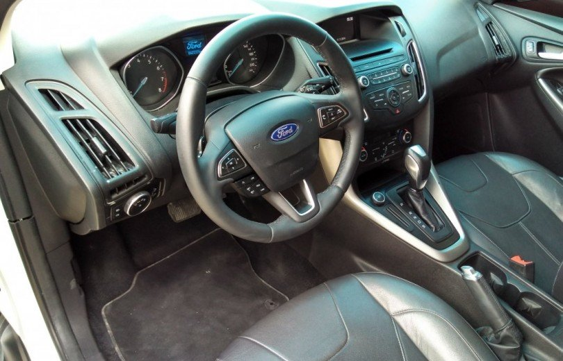 FORD FOCUS 2016 2.0 SE HATCH 16V FLEX 4P POWERSHIFT AUTOMÁTICO - Carango 67253 - Foto 6