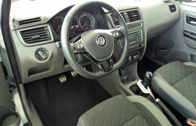 VOLKSWAGEN FOX 2016 1.6 MSI HIGHLINE FLEX 4P MANUAL - Carango 71676 - Foto 6